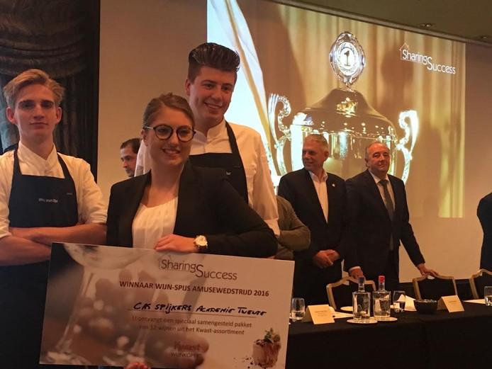 Culinaire talenten Wes van Otten, Carolien Kemperink, Sebastiaan Schreuder wonnen de amusewedstrijd in Noordwijk, en steunde daarmee direct het Liliane Fonds