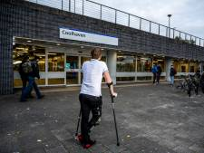 Dertig seconden voordat de metro kwam, trok Matthijs een geduwde vrouw van het spoor af: 'Dader keek toe'