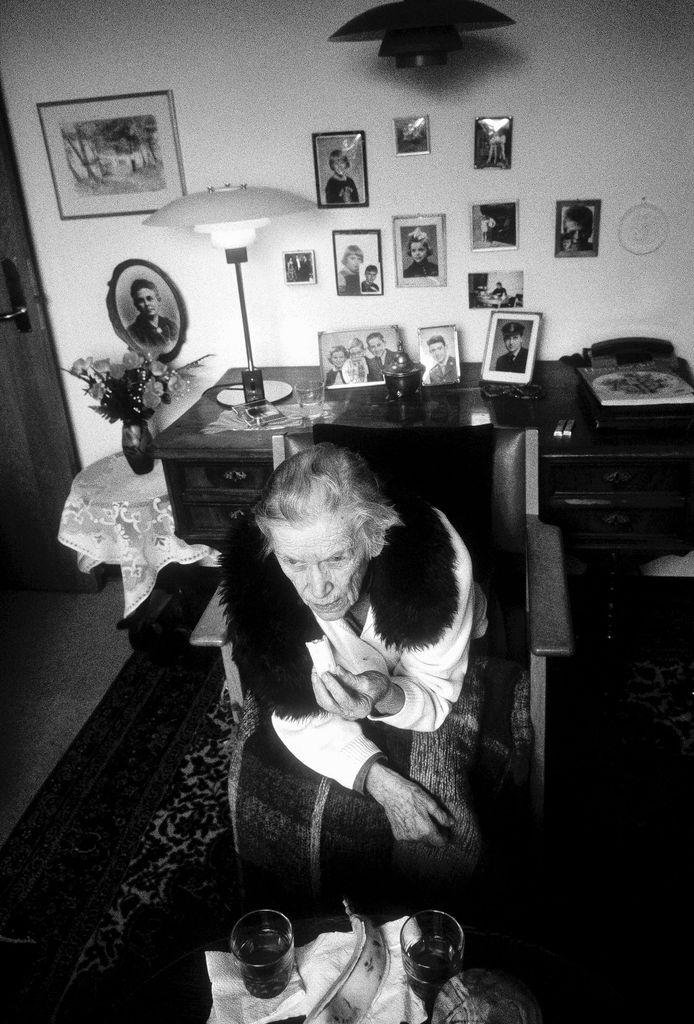 Een 'vertrouwd' ingerichte kamer geeft dementerende ouderen meer rust.