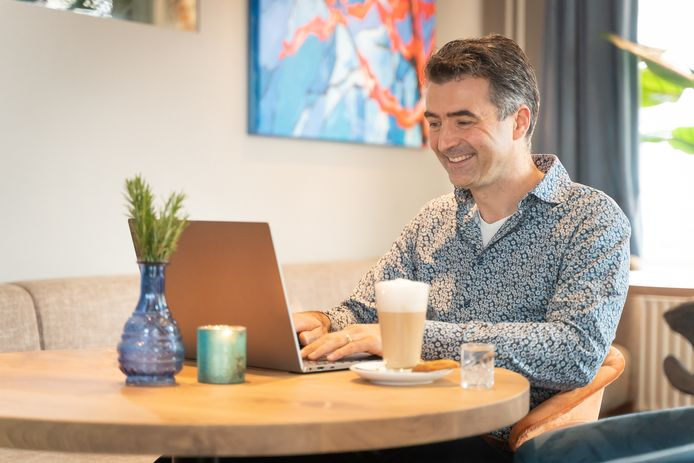 Hotelmanager van De Wereld Hans Hooft test de nieuwe tool.