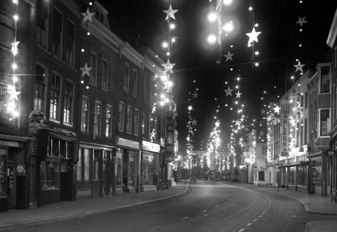 Verlichting in 1955 ter ere van vijftig jarig bestaan van de GEVU.