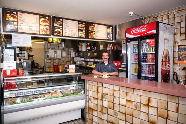 Auke Ritsema van Cafetaria Koning. Beeld Els Zweerink
