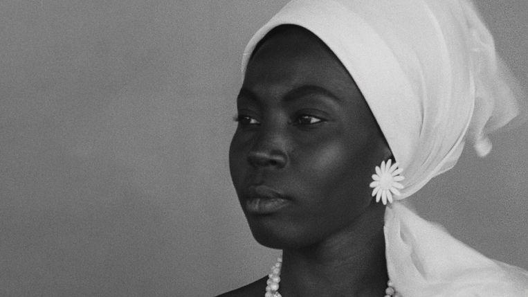 In 'Black Girl' ervaart een jonge Senegalese vrouw haar leven in een appartement als een gevangenis. Beeld