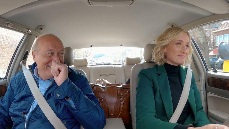 Even vallen aangever en afmaker uit hun rol in 'Hit The Road, Jacques'. Beeld SBS Belgium