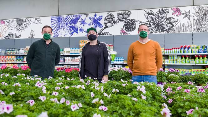 """Kunstenaar Tom Herck fleurt nieuwe locatie van bloemen- en tuincentrum Sampermans op: """"Mensen moeten kunst laagdrempelig kunnen beleven"""""""