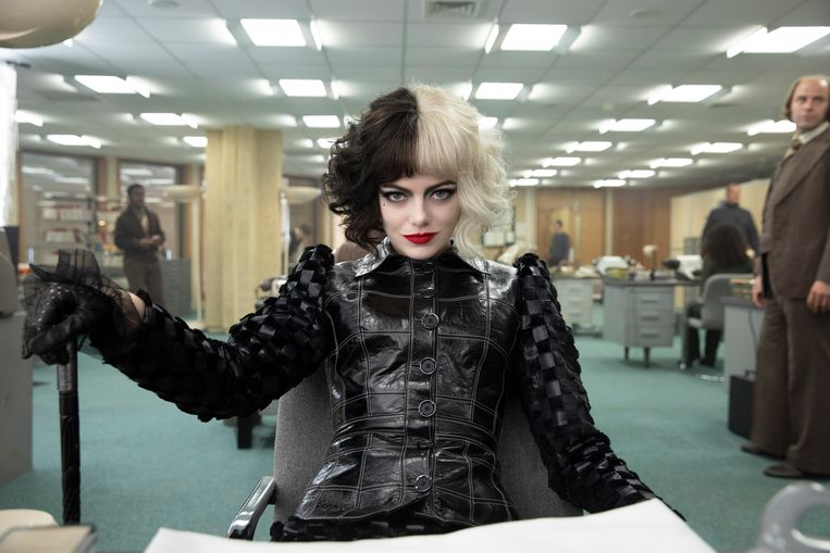 Emma Stone als slechterik in 'Cruella'. Beeld AP