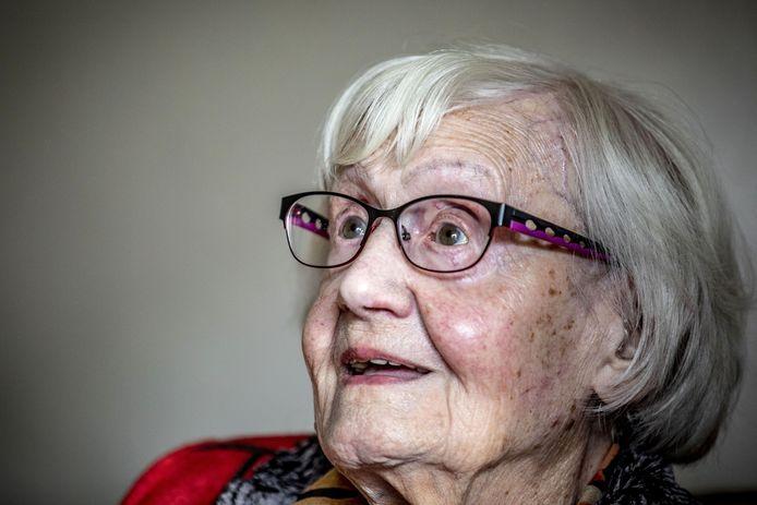 Thea Oude Elferink-Berentsen vierde donderdag haar 104de verjaardag.