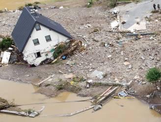 Uitzonderlijke beelden tonen hoe dorpje van 660 zielen in Duitse Eifel totaal verwoest is door overstroming: 50 tot 70 mensen vermist in rampgebied