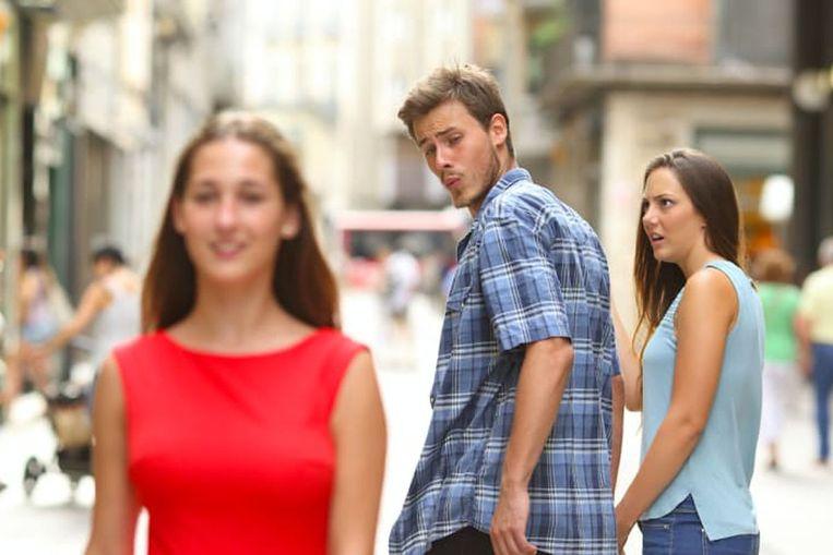 De 'Distracted Boyfriend'-meme. Beeld Imgflip