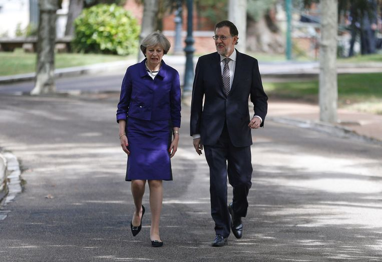 Brits premier Theresa May en haar Spaanse collega Mariano Rajoy in oktober 2016.