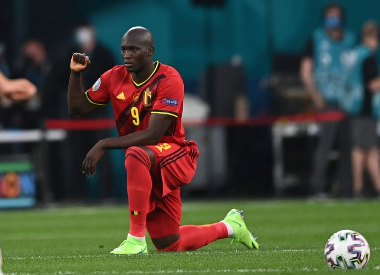 Romelu Lukaku voor de wedstrijd tegen Rusland. 'Ik vecht voor eerlijkheid voor iedereen.'  Beeld AP