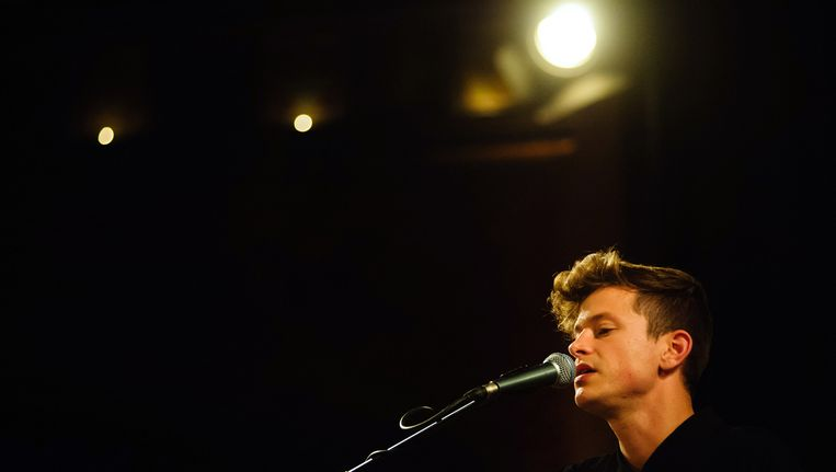 Mike Hadreas in the Union Chapel in Londen. Beeld Getty Images