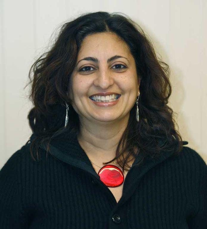 Nadia Jellouli-Guachati (38). Woont in Eindhoven. Ze heeft een zelfstandig bureau architectuur en stedebouw XS2N. Ze werd geboren in Marokko. Na het vwo in Venray, waar ze opgroeide in een gezin met vijf kinderen, studeerde ze bouwkunde aan de TU Eindhoven. Ze was in Eindhoven op tal van terrein bestuurlijk actief. Is lid van de Soroptimistenclub Eindhoven. foto Jurriaan Balke