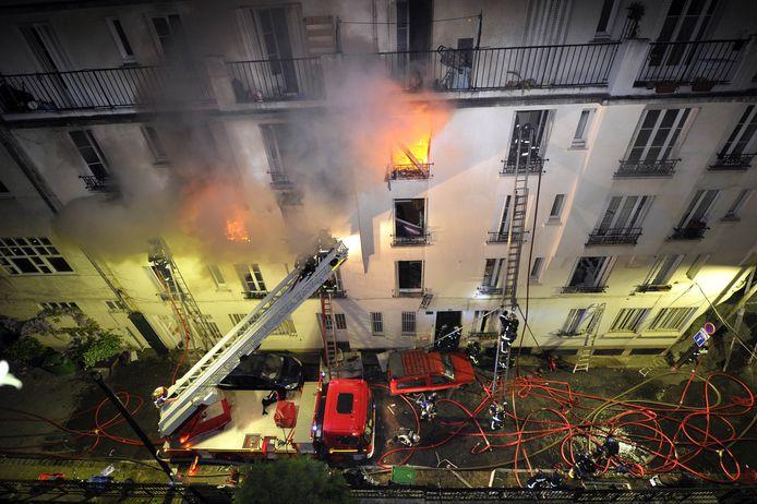 Veel Fransen in sociale huurwoningen kunnen bij brand geen beroep doen op een woonverzekering.