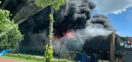 Enorme brand in meubelfabriek aan Veilingweg in Berkel en Rodenrijs