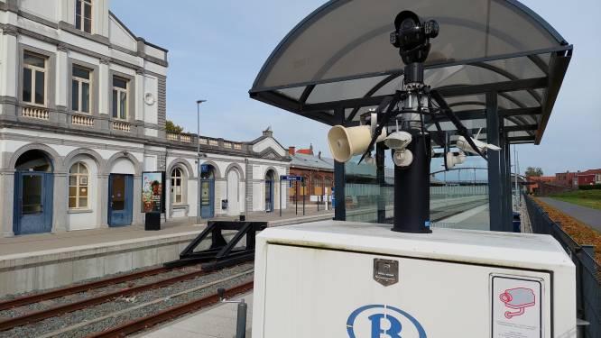 Na de vele klachten  over diefstal en beschadiging: mobiele camera houdt fietsenstalling aan het station in de gaten