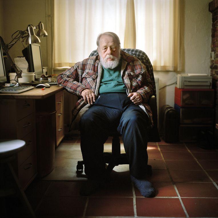 Børge Ring in zijn huis in 2010.  Beeld Joost van den Broek