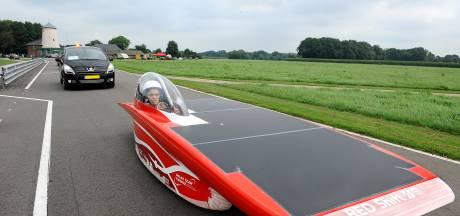 Solarauto's Team Twente samen op het Enschedese podium