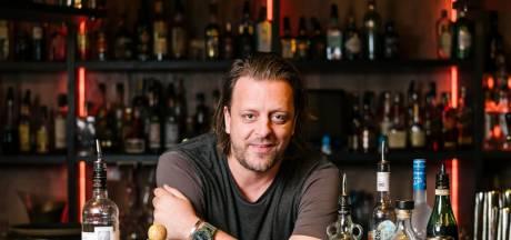Barman gaat het podium op met jouw ongemakkelijke verhalen