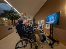 Rondje Kampen, Amsterdam of Parijs: deze ouderen trappen honderden kilometers voor speciale fietsen