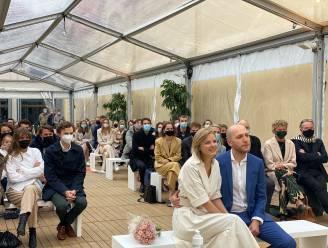 """Eerste burgerlijk buitenhuwelijk afgesloten in Gent: """"Een trouwlocatie als het Hotel d'Hane Steenhuyse vergeet je niet snel"""""""