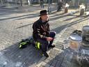 Burgemeester Bort Koelewijn, zelf een schutter, hoopt dat pottenkijkers van elders thuisblijven.