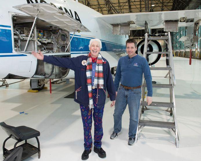 Wally Funk (links) op een Nasa-foto uit 2019.