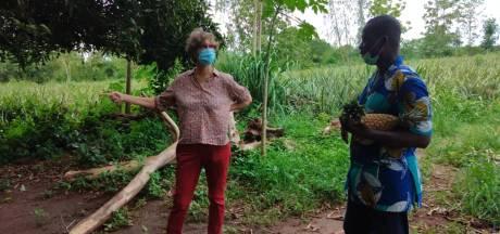 Wilma Frouke boekt zonder mopperen retour Benin -Deventer voor coronaprikje: 'Misschien wel twee keer'