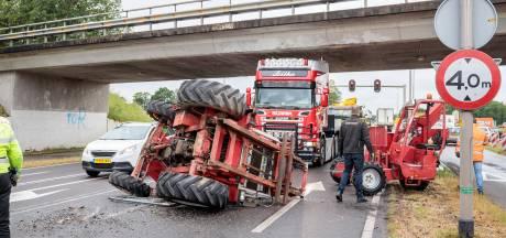 Gaat het toch weer mis bij viaduct in Varsen: heftruck is te hoog