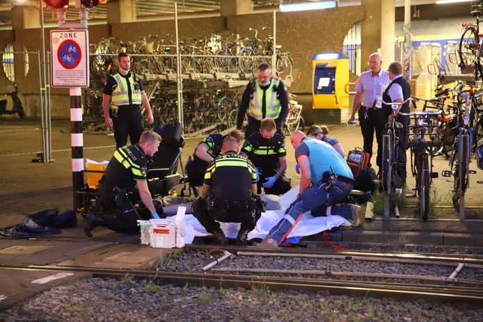 Volgens getuigen schrok de fietser van een tram.