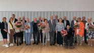 Gemeentebestuur zet zeven huwelijksjubilarissen in de bloemen