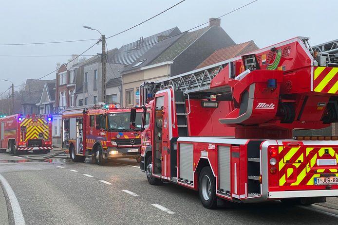 De brand situeerde zich in de achterbouw van een woning langs de Hoogstraat in Lede.