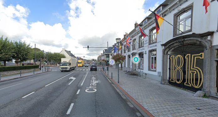 Le jeune chauffard roulait à plus de 100 km/h sur un tronçon de la chaussée de Bruxelles à Waterloo limité à 50 km/h.