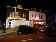 Brandje in appartement aan Hobbemastraat, veel bekijks van omwonenden