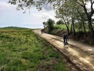 """""""La vita è bella"""": Remco Evenepoel verkent meteen uiterst verraderlijke Giro-etappe vol valkuilen en boobytraps"""