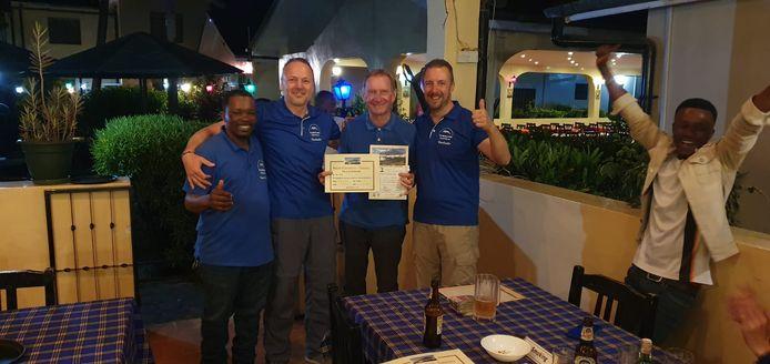Willy Troch (tweede van rechts) na een succesvolle beklimming van de Kilimanjaro.