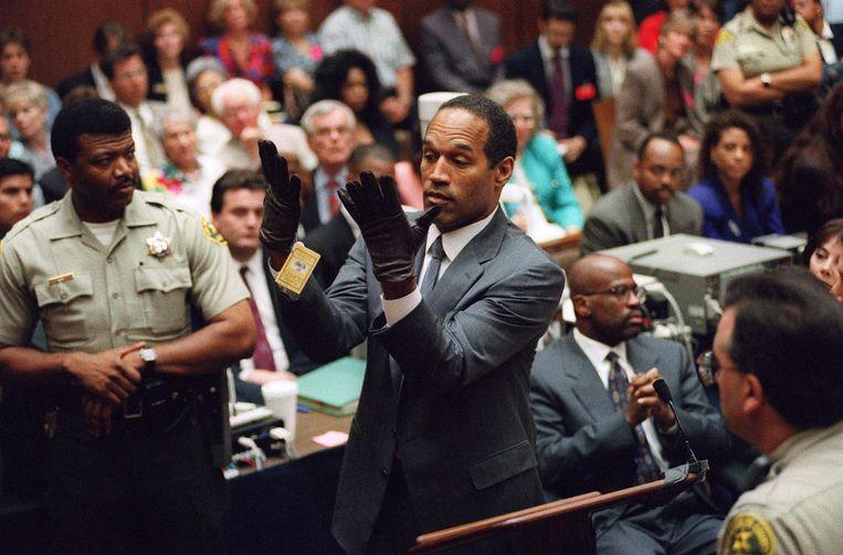 Beeld uit de zaak-O. J. Simpson uit 1994. De American footballspeler werd verdacht van de moord op zijn ex-vrouw Nicole Brown en haar vriend Ron Goldman.  Beeld AFP