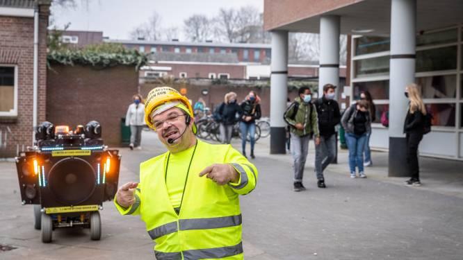 Bekenden wensen examenkandidaten Jan van Brabant succes in online video's