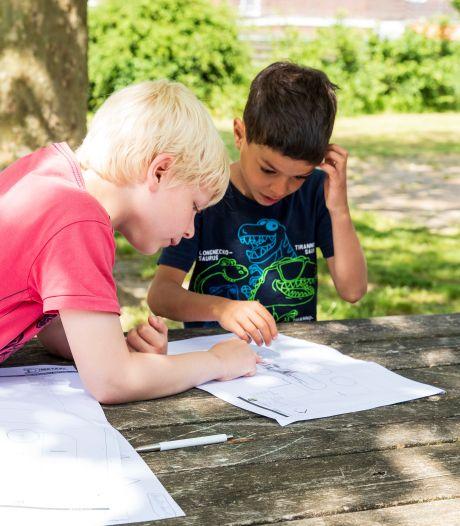 Thieme (9) en Yordan (7) richten eigen school in voor speciaal onderwijs in Zutphen: 'Een vlindertuin is superleuk'