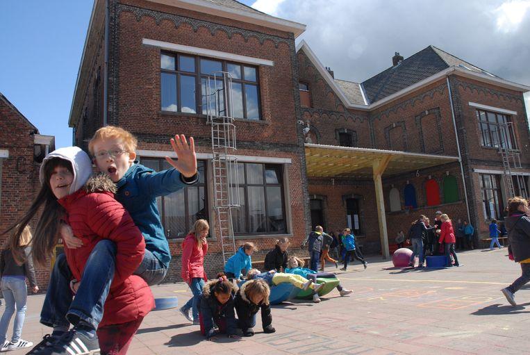 De 322 leerlingen van de Sint-Cajetanusschool hebben alle reden tot juichen. Zij zullen vanaf 1 september opnieuw naar hun vertrouwde school kunnen.
