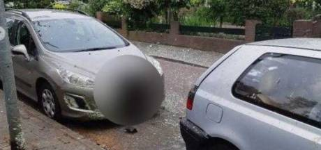 Auto in Hilversum vernield door ontplofte purschuimbom, buurt schrikt op van enorme knal