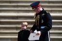 Het krijgen van kinderen riep bij prins William emoties op die hij voelde na de dood van zijn moeder. Dat zegt de hertog van Cambridge in gesprek met oud-voetballer Marvin Sordell in een BBC-documentaire over mentale gezondheid.