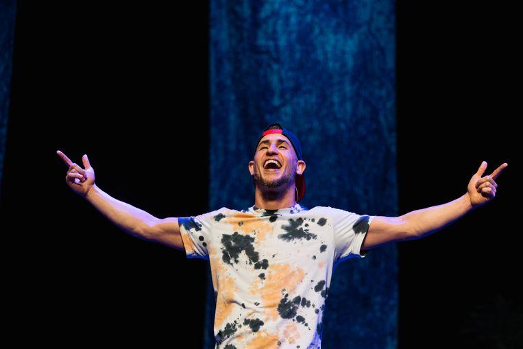 Abdelhadi Baaddi in Dubbelbloed #2 van Danstheater AYA Beeld Sjoerd Derine