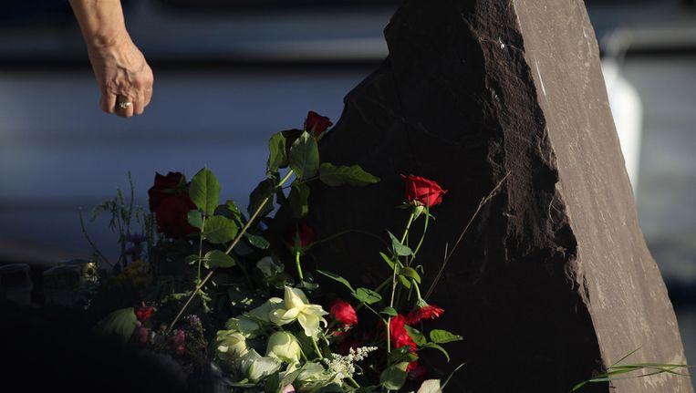 Bloemen voor de slachtoffers van Utoya. Beeld ap