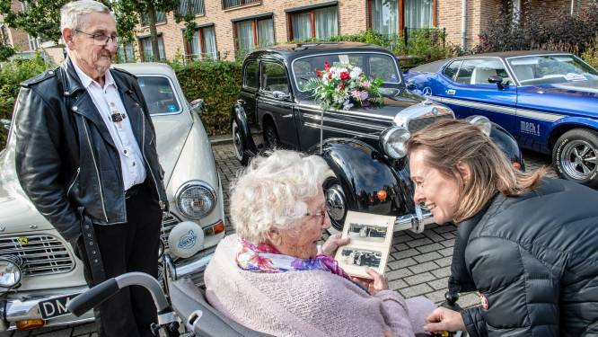 Bewoners Kasteelhof genieten van oldtimers: 'Net zo'n auto als in mijn trouwboekje!'