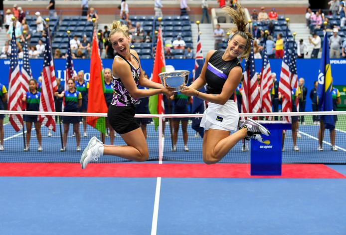 Premier titre en Grand Chelem pour Elise Mertens, qui s'est imposée en finale du double de l'US Open en compagnie d'Aryna Sabalenka. Un triomphe qui permet à la Louvaniste de grimper à la deuxième place du classement mondial de la discipline.