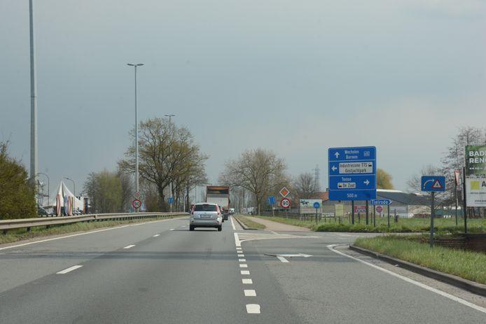 Er is nu al een uitrit richting SG Boereboomstraat. Volgens buurtbewoners is er voldoende plaats om er ook een veilige oprit aan te leggen.