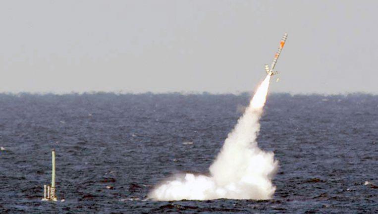 De USS Florida vuurt een Tomahawk-raket af op een doel in Libië. Beeld reuters