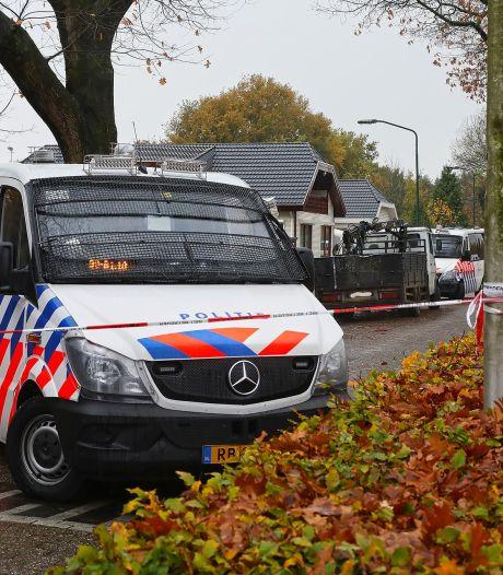 Politie keert kampje 'onderwereldkoning' Martien R. binnenstebuiten: de foto's