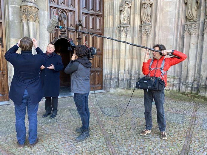 Plebaan Vincent Blom 'vlogt' voor 'zijn;' Sint-Jan